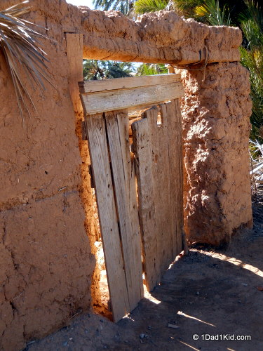 living in darkness, oasis door, tightmert, morocco