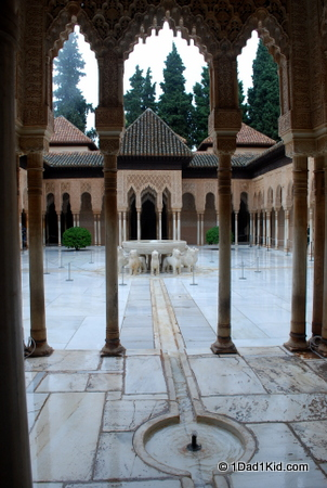 alhambra, spain, granada, courtyard of lions