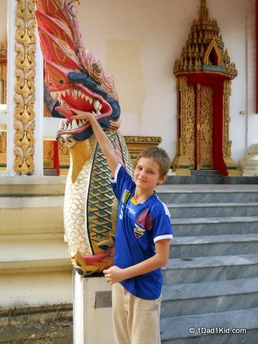 single parent travel, koh samui, thailand, temple