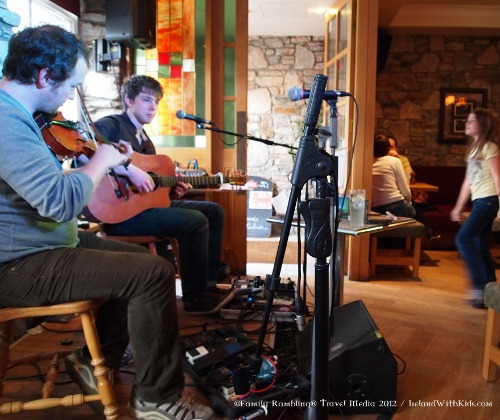 visiting ireland, live music in clifden
