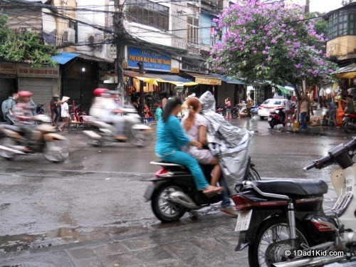 American in Vietnam, Hanoi traffic