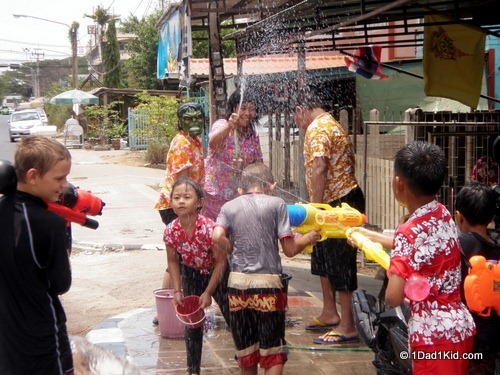 unusual holiday, thailand, songkran