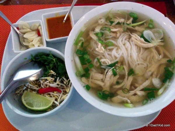 budapest restaurants, pho, vietnamese food