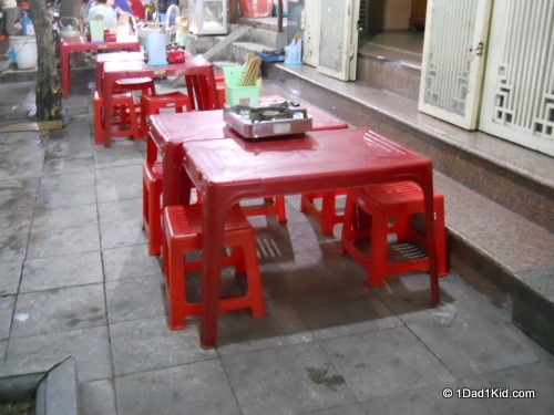 vietnamese food, sidewalk restaurant
