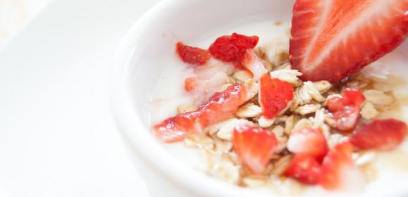 Smart Snacking Tips for Travel Days for Better Health