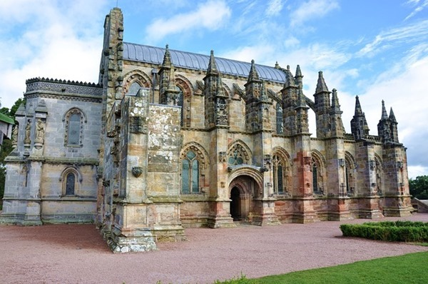 rosslyn chapel, spiritual destinations, scotland